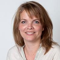 Passfoto av Mona E. Pedersen